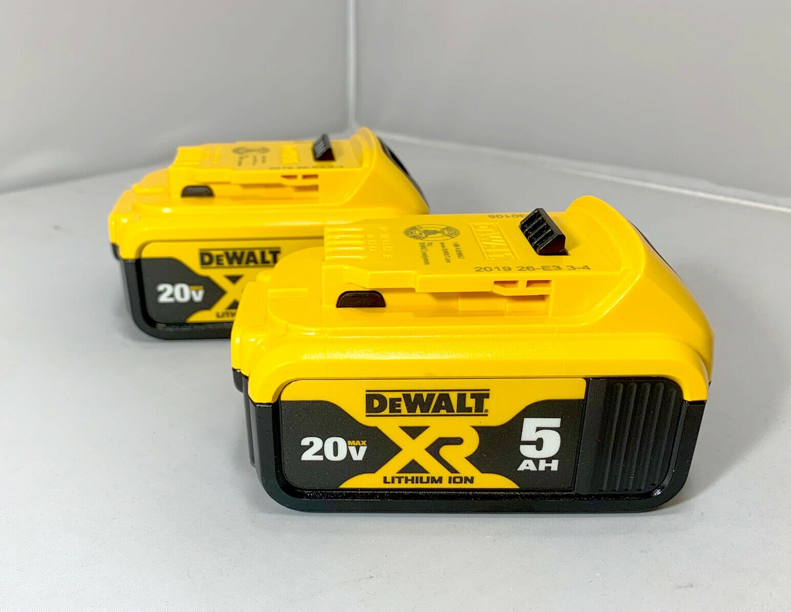 Dewalt 20V DCB205 5.0 Batteries 20 Volt GENUINE – 2 Pack